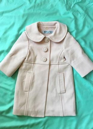 Пудровое пальто для девочки