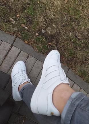 Белые кожаные кожанные кроссовки кеды adidas gazelle