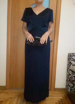 Стильное фирменное красивое платье. размер 16
