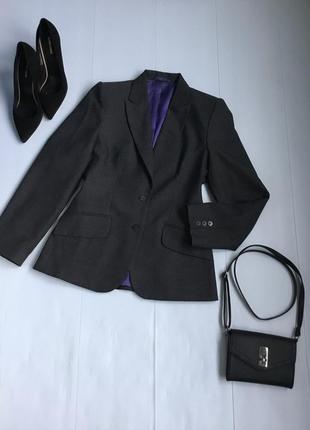 Базовый шерстяной пиджак приталенного кроя