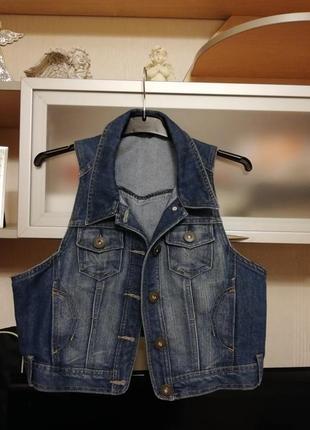 Крутая джинсовая жилетка жилет р.м