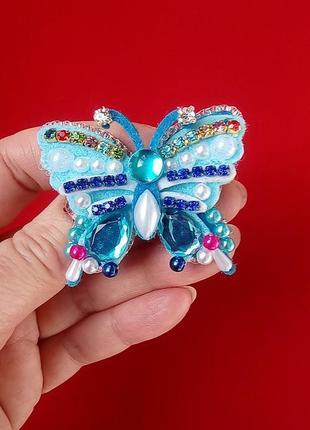 Очаровательная брошь бабочка для нежных и изящных модниц