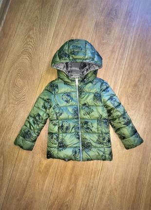 Классная деми куртка benetton, оригинал, будет на 2-3 года.