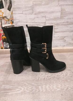 Ботинки,полусапожки широкий каблук