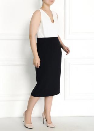 Прямая женская юбка длины миди на пышные формы