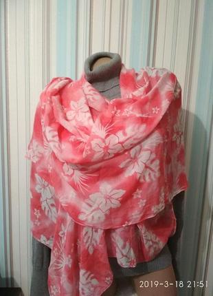 Нежный батистовый шарф палантин парео коралловый в белые цветы