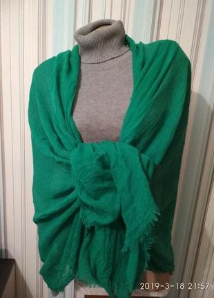 Жатый шарф палантин парео платок зелёного цвета
