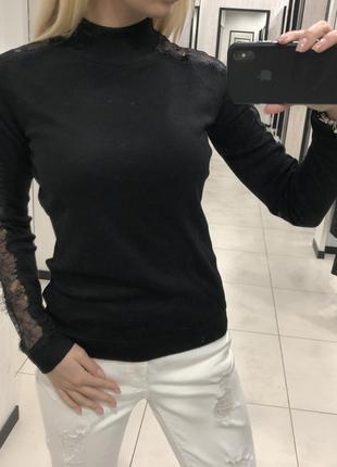 Чёрный свитер лёгкий свитерок с кружевом. amisu. размеры уточняйте.