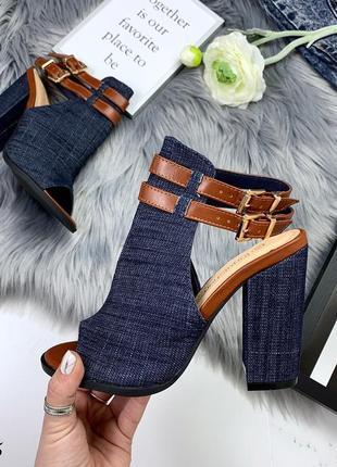 Стильные джинсовые босоножки с ремешками7 фото