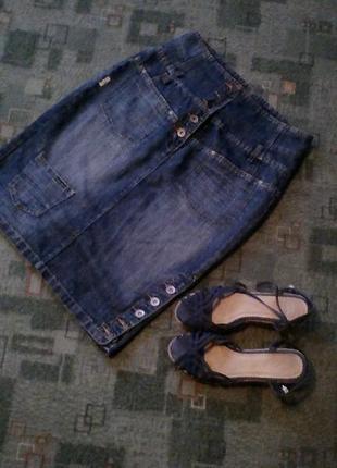 Крутая джинсовая юбка с корсетом 52р