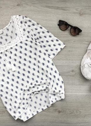 Милейшая фактурня блуза/блузка молочного цвета в принт p&b