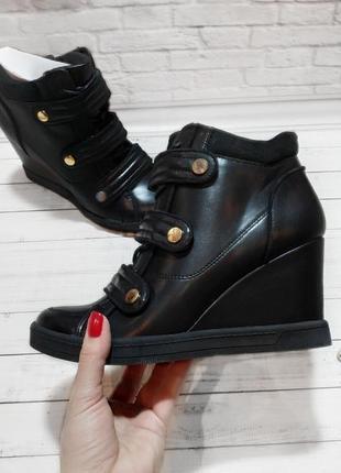 Ботинки aldo весна осень черные на танкетке
