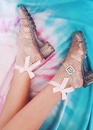 Итальянские нежно-розовые носки из сетки с бантиками tezenis
