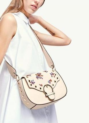 Сумка молочная ,сумочка с вышивкой stradivarius.