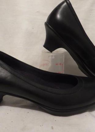 Туфли кожа crocs разные размеры