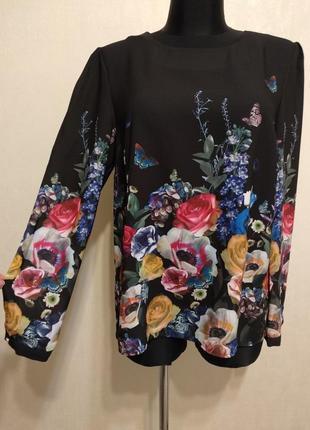 Яркая блузка в цветочный принт oasis