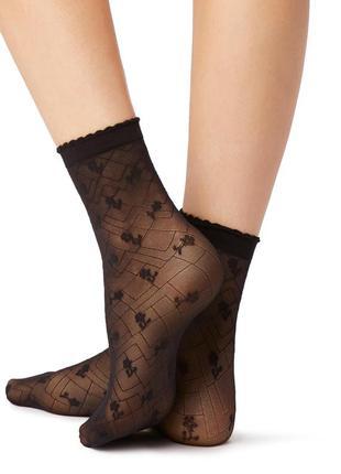 Итальянские капроновые носочки с цветочным и геометрическим узором calzedonia