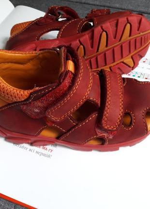 Дитячі шкіряні фірмові босоніжки/детские кожаные босоножки/сандали 24