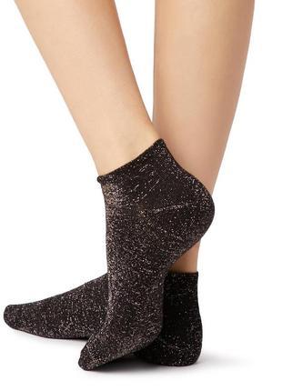 Черные короткие носочки с глиттером calzedonia
