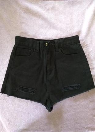 Актуальные  шорты  с высокой талией