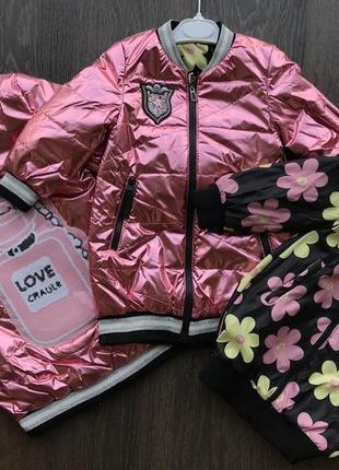 Курточка двухсторонняя,очень стильная и красивая!