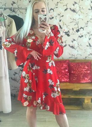 Шикарное платье , платье в цветочный принт , платье на запах