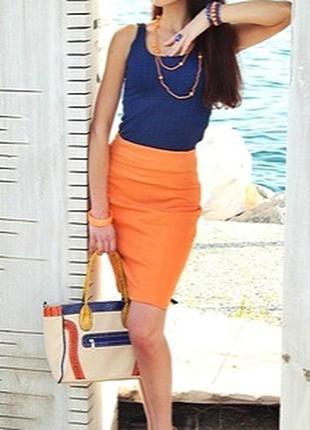 Шелковая (ацетат) юбка-футляр персикового цвета, юбка-карандаш от royal.