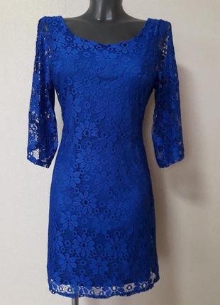 Эффектное торжественное  ажурное платье ambitionfly,с v-образным вырезом на спине