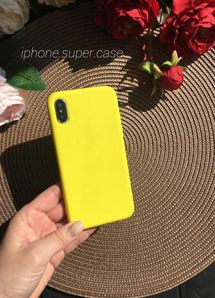 Яркий матовый силиконовый чехол на айфон iphone x/xs жёлтый
