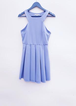 Нежное пастельное платье с вырезом на спинке платье с открытой спиной