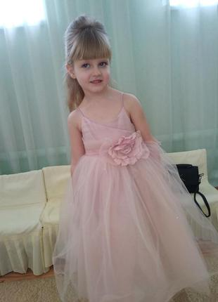 Шикарное нежное выпускное нарядное бальное платье