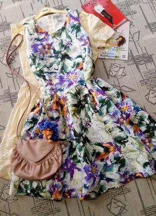 Красивое пышное платье! размер 12-14