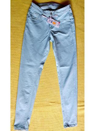 Модные джинсы house