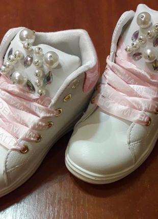 Нежные,красивые и модняшные ботиночки для девочки3