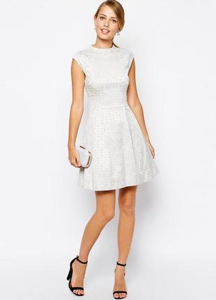 Платье нарядное м l