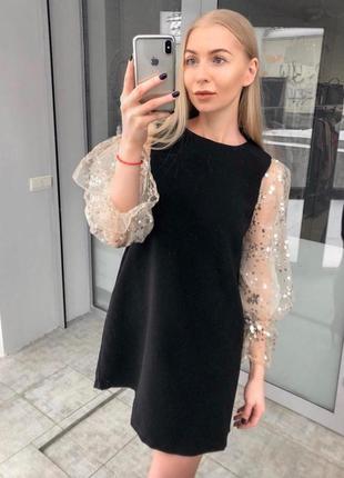 Платье с шикарными прозрачными рукавами