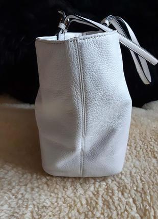 Женская сумка белая кожа calvin klein   оригинал4 фото