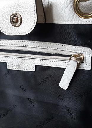 Женская сумка белая кожа calvin klein   оригинал8 фото