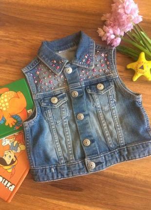 Модная джинсовая жилетка для девчонки h&m 4-5 лет.