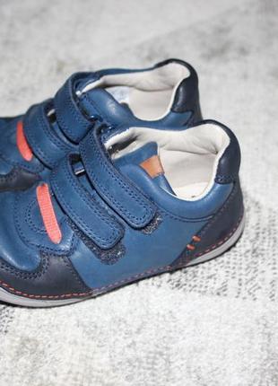 Кожаные ботинки clarks first shoes размер 6 е на 22,5