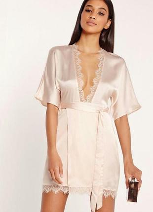Утонченное и очень нежное платье в бельевом стиле с кружевом missguided
