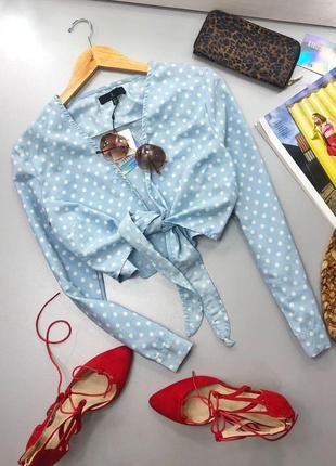 Стильная укороченная блуза в горох с завязкой missguided ms669