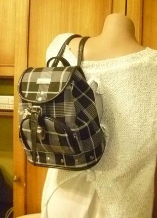 Качественный маленький-средний рюкзак-сумка в клеточку в отличном состоянии