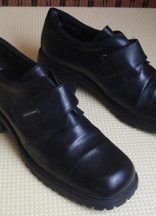 Фирменные демисезонные ботинки 40 р.