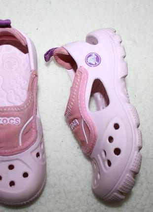 Крутые сандали кроксы фирмы crocs с 10-11 размера по стельке 17,5 см.