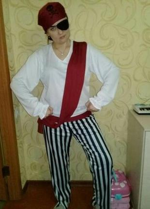 Карнавальный костюм пирата на взрослого.