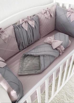 Комплект бамперов в детскую кроватку1