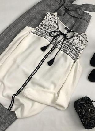 Красивейшая блуза с вышивкой и открытыми плечами f&f