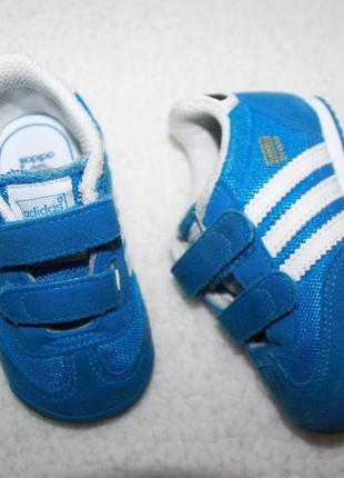 Классные кроссовочки фирмы adidas 20 размера по стельке 12,5 см.