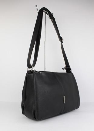 Мягкая, вместительная женская сумка gilda tohetti 60488 черная